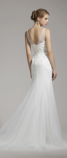 Sheath V-neck Tulle Ivory Sleeveless Wedding Dress with Beading and Appliques AWZT15002
