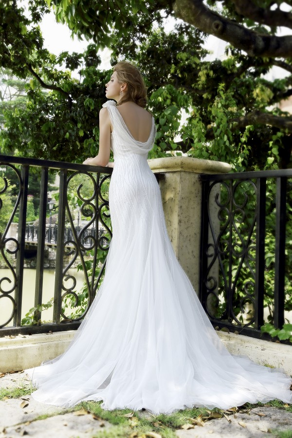 Sheath V-neck Tulle Ivory Sleeveless Wedding Dress with Beading and Flower AWVT15002