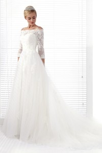 A Line Spaghetti Strap Chapel Train Lace Wedding Dress Alb12282