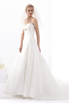 A Line Sweetheart Chapel Train Lace Wedding Dress Alb12283