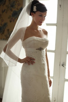 Sheath Column Strapless Chapel Train Lace Wedding Dress Alb21816