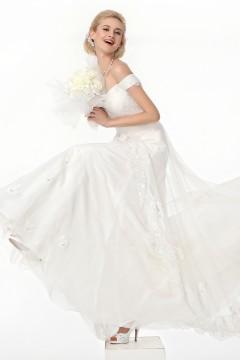 A Line Off The Shoulder Court Train Lace Wedding Dress Alb12286